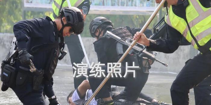 """广州反恐维稳大练兵 真实塑造""""恐怖袭击""""(图)"""