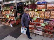 经济危机下的阿根廷:全家吃食堂 华人超市担心安全