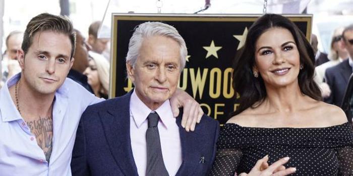 这些好莱坞明星与子女关系恶劣 是什么导致的?