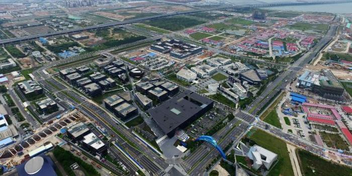 建设中的珠海横琴岛,图中左上角为澳门(2017年11月4日无人机拍摄).