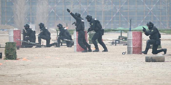 4500余特警参加 全国公安特警维稳处突演练举行