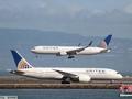 美联航拖拽下机事件两名涉事安保人员遭解雇