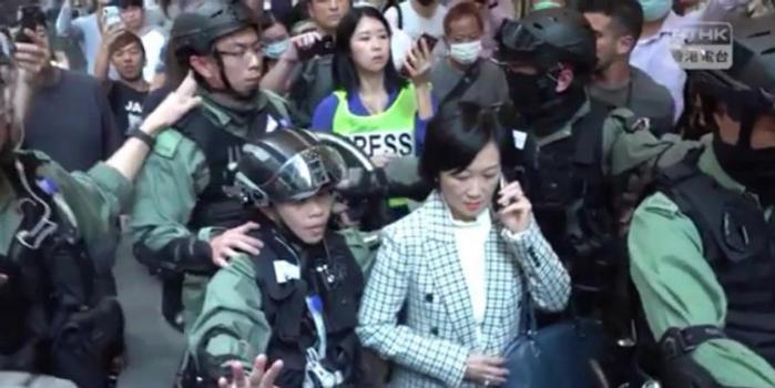 新民党主席遭上百香港暴徒围攻 20名警察出手解救