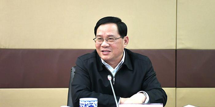 李强参加上海市应急管理局领导班子民主生活会