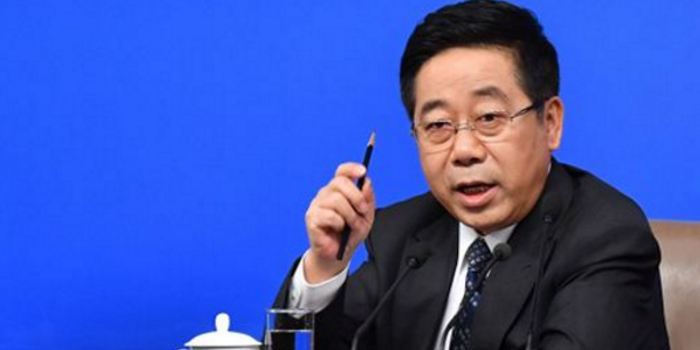教育部部长:中国玩命的中学 快乐的大学现象