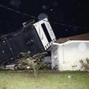 美國佛羅里達州遭龍捲風襲擊 近萬戶家庭停電