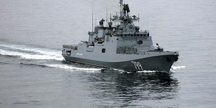 俄軍在地中海舉行??章摵涎萘?跟蹤外軍戰艦
