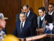埃及两前总统罕见同框 穆巴拉克为穆尔西案作证