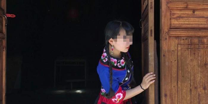 湘西女教師發文批為迎檢查小學停課 教體局回應