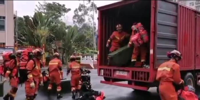广西靖西发生5.2级地震 消防员集结完将前往震中