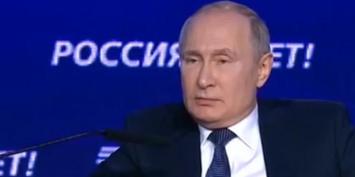 普京:遏制中俄是损害美自身利益 是朝自己头上开枪