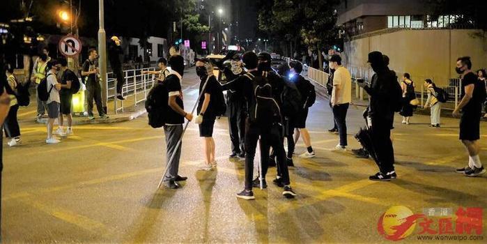 香港医管局:昨夜元朗冲突28人送院 最小仅13岁