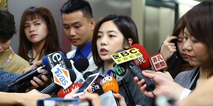 柯文哲最美幕僚黃瀞瑩疑遭臺北市政府顧問性騷擾