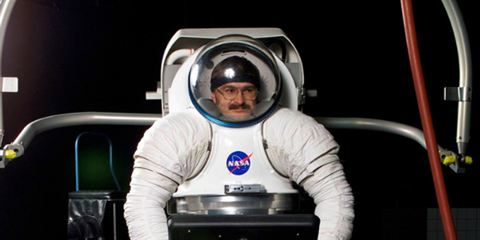pc蛋蛋统计_俄设计师开创火星宇航服新纪元:做梦都在想方案
