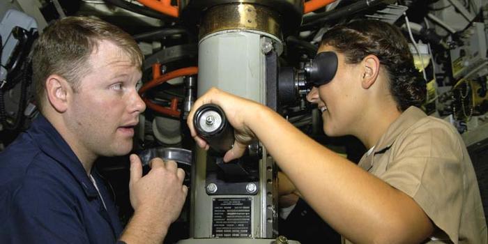 美国海军暂停征募女性潜艇兵:因无法提供足够舱位
