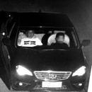 男子坐副駕駛讓10歲兒子開車回家:他有開車天賦