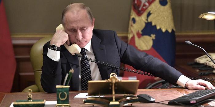 普京与泽连斯基通电话 讨论这三个议题