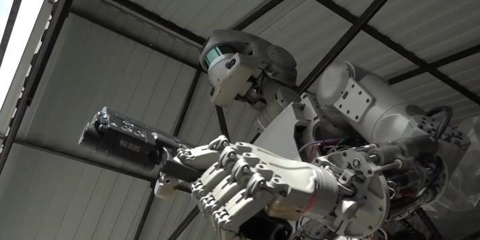 俄或在2025年造出战斗机器人团队 现正进行技术演练