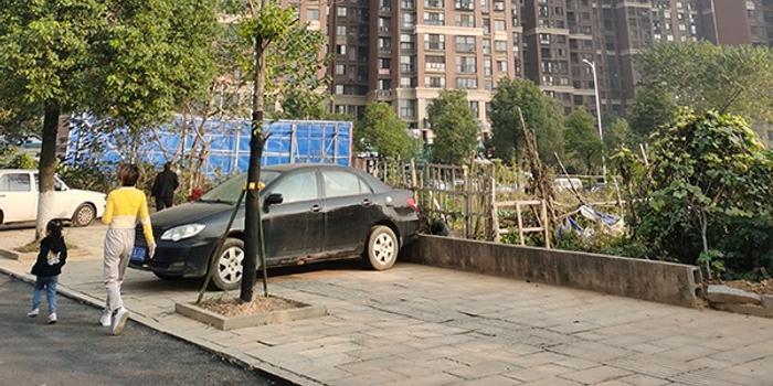 """长沙""""问题混凝土""""楼:2栋均未封顶 1栋已在拆除"""