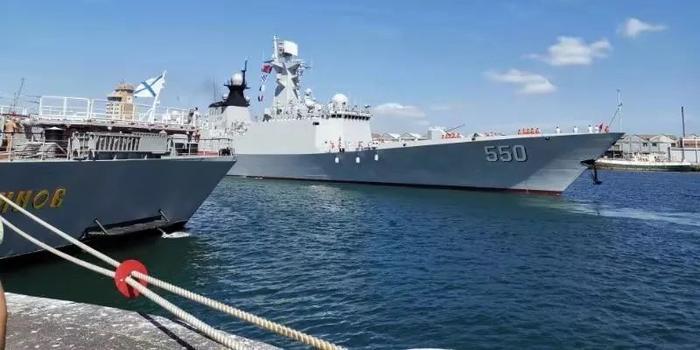 潍坊舰抵达南非开普敦港 参加中俄南非三国海上联演