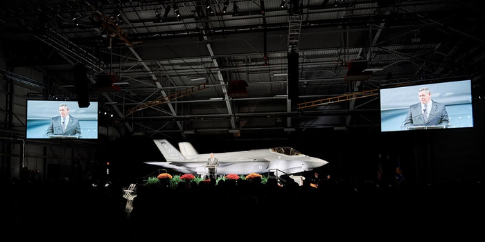 美F-35战斗机全速生产决定因故推迟13个月