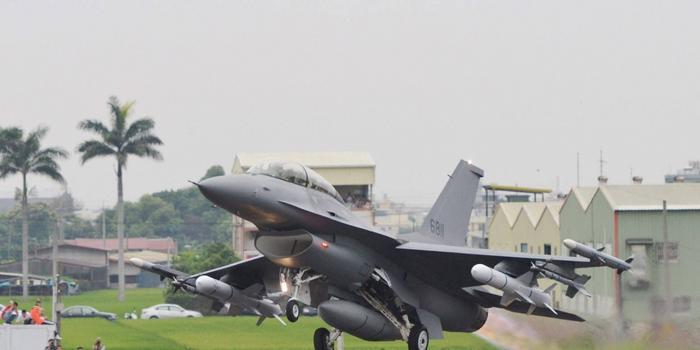 台湾将获66架新战机 国防部:以武拒统死路一条