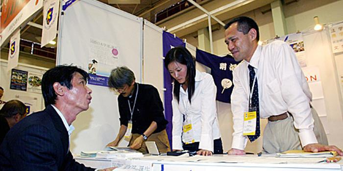 日媒:日本明治大学在中国延边大学开设漫画图书馆