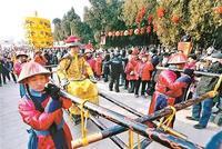 北京各大庙会开门迎客 地坛庙会游人突破18万人次