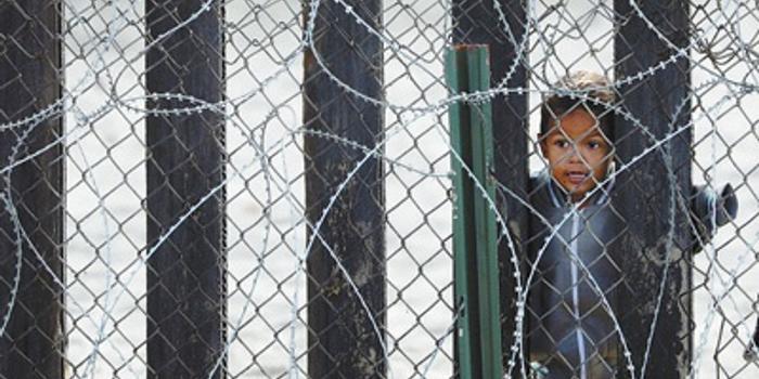 一年关押近7万儿童移民 人民日报抨击美移民政策