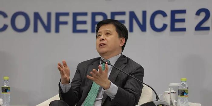 洪小文:人工智能目前的局限在于无法解释因果关系