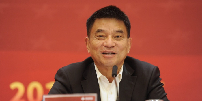 刘永好建言:扶持奶牛规模化养殖基地建设