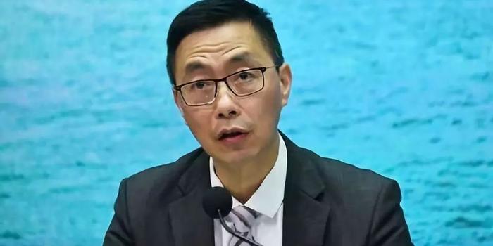 仍有暴徒穿校服设路障 香港教育局长发声