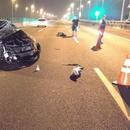 台湾小客车追撞半挂车 肇事司机飞出6米命危(图)