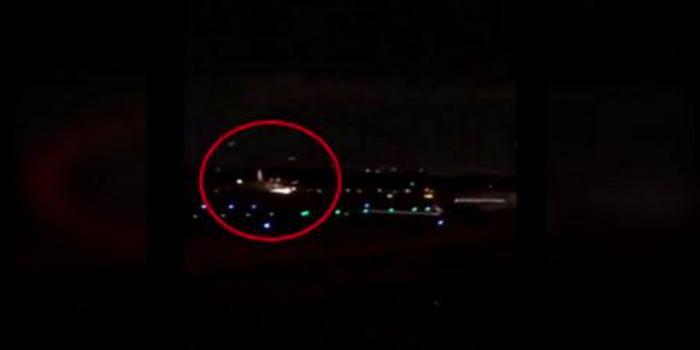 机身喷火!波音737降落时刮擦地面 多名乘客受伤