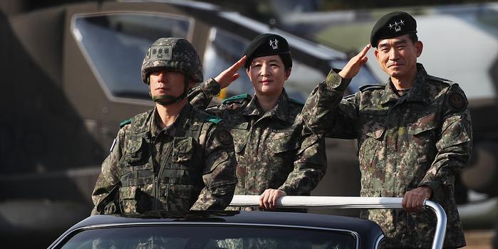 韩国陆军航空作战司令部首位女司令上任(图)