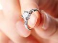 花几万块钱买1克拉钻石:是商品价值还是营销骗局?