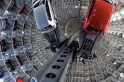 【最担心的发生了】立体车库取车,车从二层直接掉下来!更可怕的是…