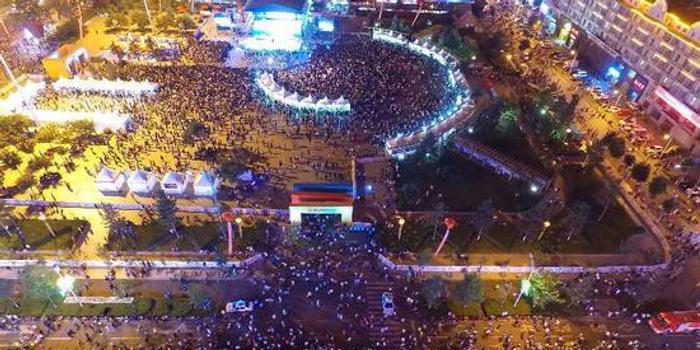 2017珲春东北亚文化旅游美食节开幕鱼饼美食图片