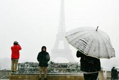 法国27个省维持橙色警报 大雪致巴黎人难出门