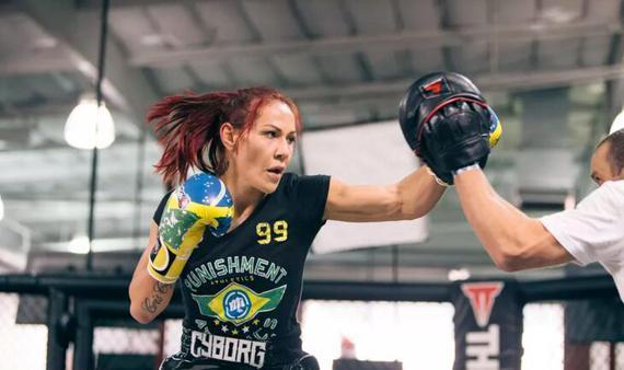 """""""机械兽""""贾斯蒂诺再战八角笼 UFC240对决新星斯宾瑟"""