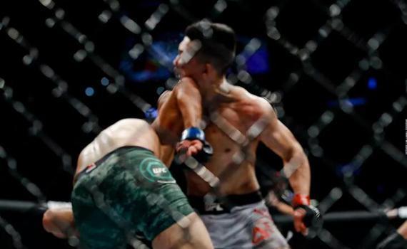 郑赞盛在比赛最后一秒时被肘击KO