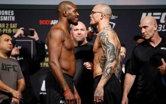 UFC235综述:琼斯卫冕 伍德利失手 张伟丽赢得重大胜利