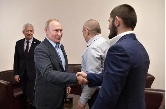 卡比布获俄罗斯总统普京接见:你用正确的方式降服了他