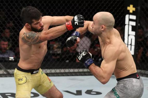 UFC格斗之夜144综述:莫拉斯成功复仇 奥尔多TKO雷纳托