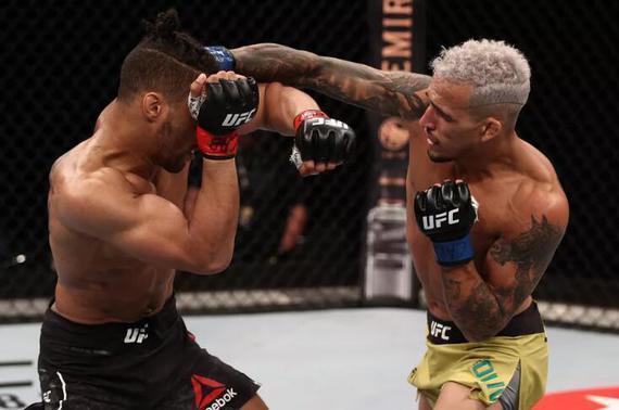 ufc格斗:UFC格斗之夜170综述:奥利维拉断头台降服李取7连胜