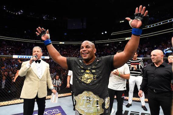 2018年UFC十大最佳选手:科米尔夺双量级冠军并卫冕