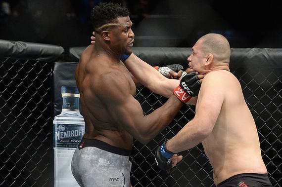 纳干诺:我不信桑托斯有柔术黑带水平 我的拳法比他更棒