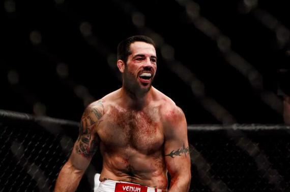 罗比-劳勒UFC245对决彭兹尼比奥 马特-布朗回归八角笼