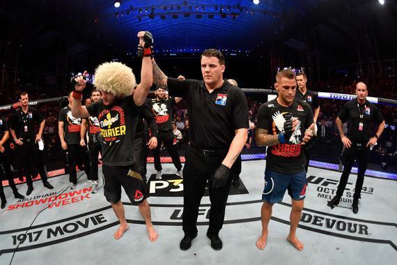 卡比布降服普瓦里尔统一了UFC轻量级冠军头衔