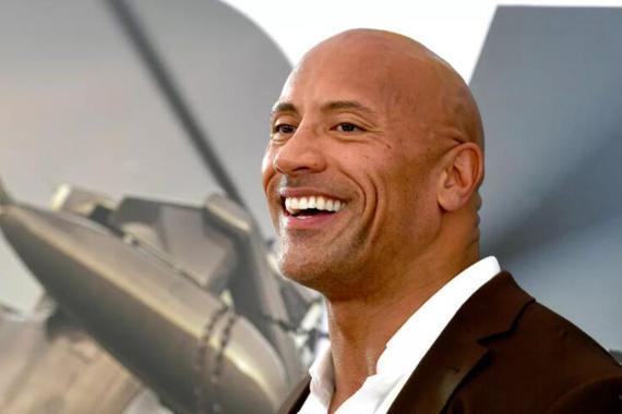 """""""巨石""""强森现场观战UFC244 将亲自为胜者佩戴冠军腰带"""